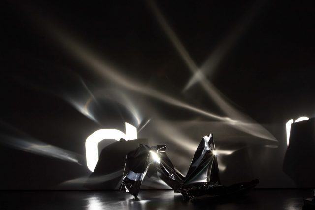 kuball-interview-science-related-art-broca-remix-karlsruhe-2007-2